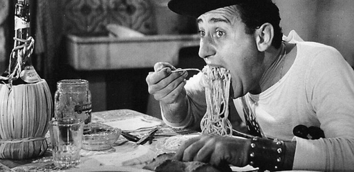 800px-Alberto_Sordi_-_scena_degli_spaghetti_-_Un_americano_a_Roma_(1954)