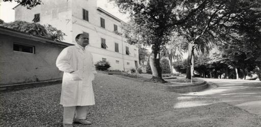 Tobino davanti casa medici copyraght Ferruccio Nuzzo