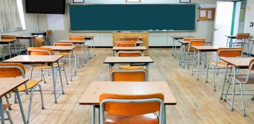 scuola-rientro-rinviato-a-maggio-scuola-chiusa