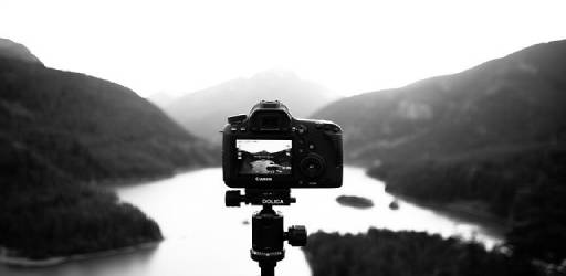 camera-918565_640 (1)