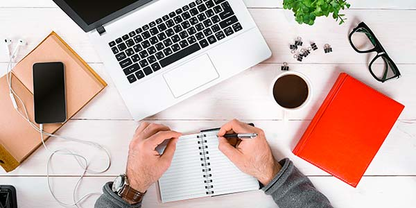 impiegato-lavoro-computer